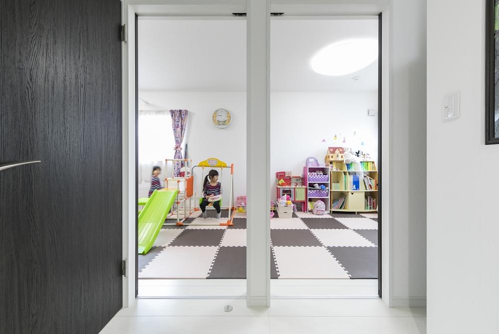 ワンルームの子ども部屋 -  -  -