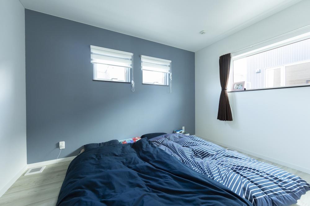寝室 -  -  -