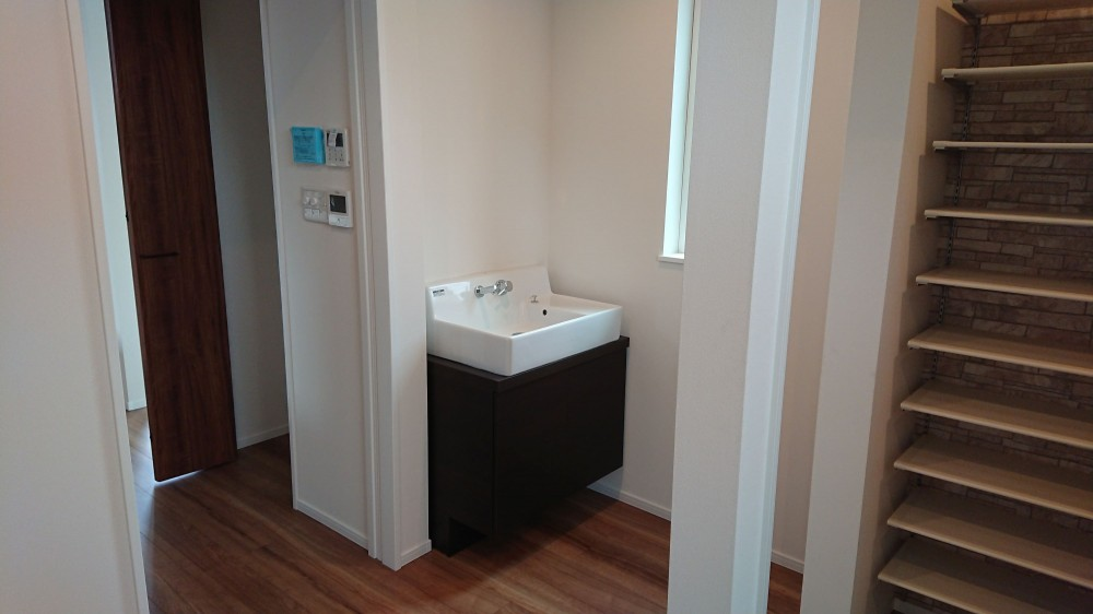 手洗器(玄関ホール) -  -  -