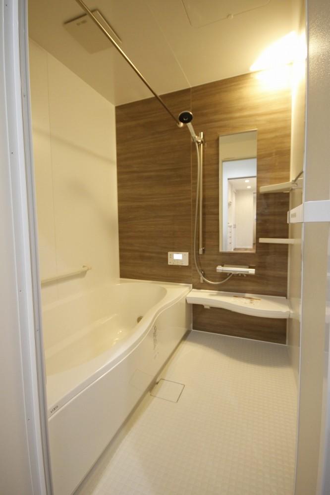 浴室 -  -  -