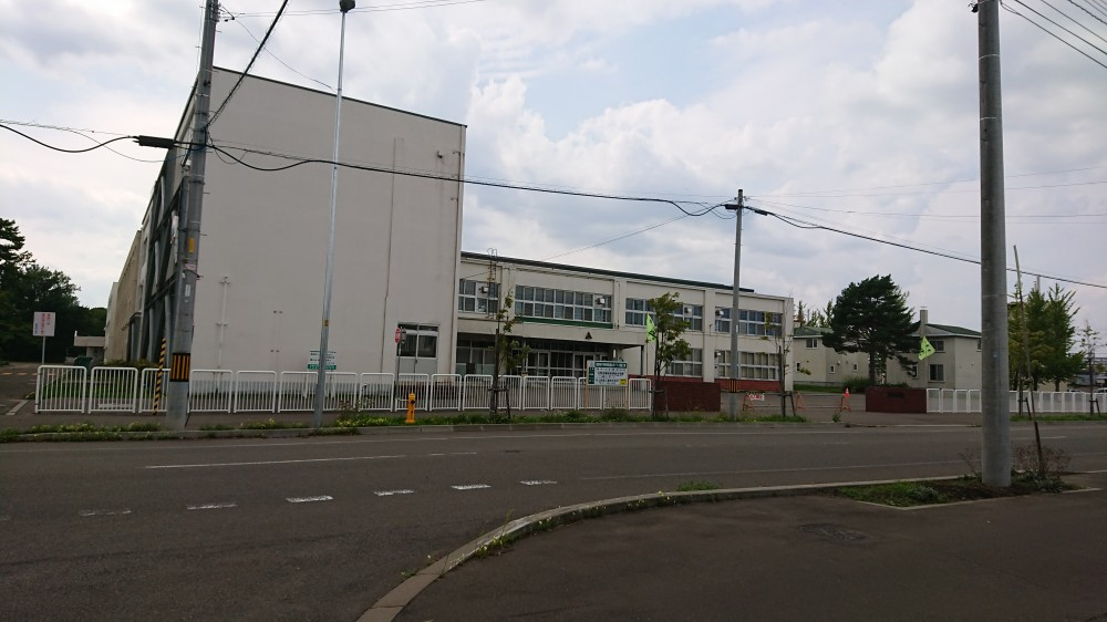東野幌小学校 -  -  -